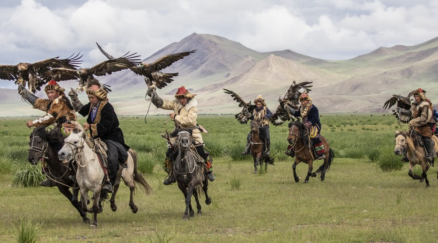 Mongolia - The Great Eagle Hunters and Naadaam Festival image
