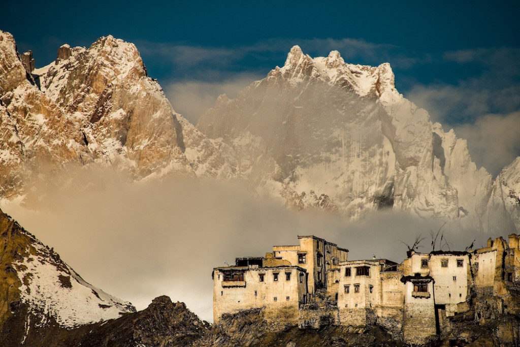 Snow Leopard Expedition: 14 Days in Ladakh
