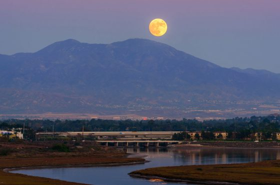 How-to-Photograph-and-Predict-a-Moonrise